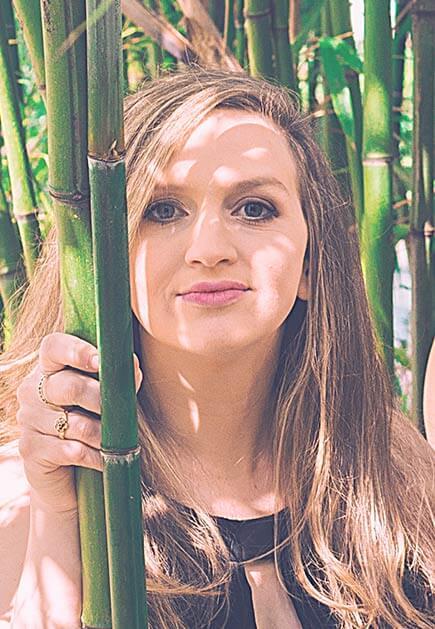 Jane Lazarovic: Bass und Gesang
