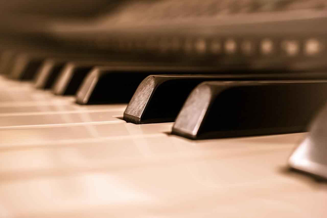 evas apfel: instrumental